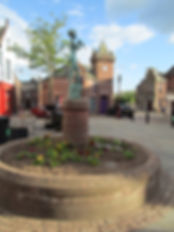 kirriemuir square and the peter pan statue