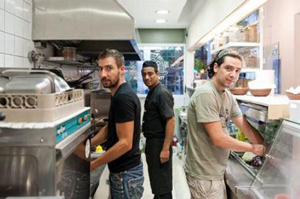 mama tierra - vegetarian vegan restaurant Athens - Akadimias 84 - owners