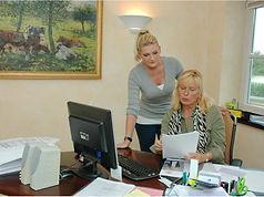 Mutter & Tochter im Büro