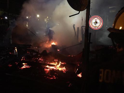 VORAZ INCENDIO DEJÓ 2 PERSONAS FALLECIDAS Y 4 CASAS COMPLETAMENTE DESTRUIDAS EN ANTOFAGASTA