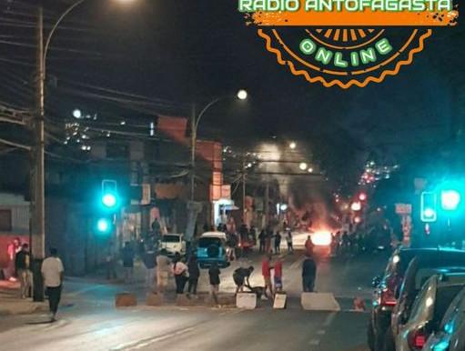 DOS CARABINEROS RESULTARON HERIDOS CON QUEMADURAS EN SUS ROSTROS PRODUCTO DE BOMBAS MOLOTOV