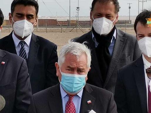 Ministro Paris junto a otras autoridades y  ejecutivos de Sinovac estuvieron hoy en Antofagasta