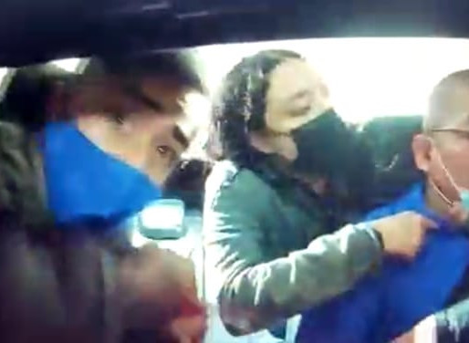 [VIDEO]   VIOLENTO ASALTO CON ARMA BLANCA A CONDUCTOR DE INDRIVER TERMINA CON FINAL FELIZ.