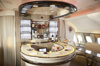 阿聯酋航空全新酒單享受30款美酒佳釀