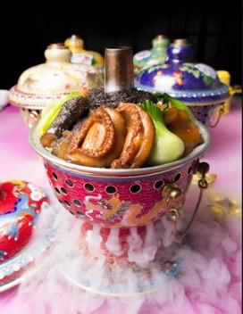 龍麵館」和「飲茶」祝大家新一年 「豬」事順利 「豬」事大吉