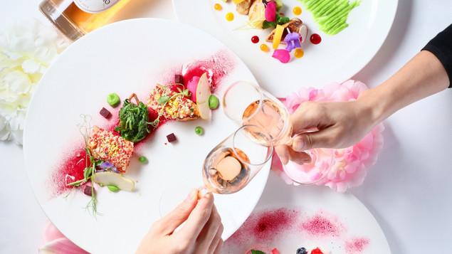 分享愛的故事贏取 Marco Polo 維港套房及Cucina 蜜桃色情人節晚餐