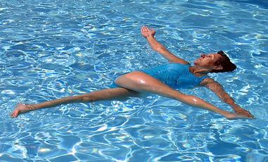 yoga dans l'eau.jpg