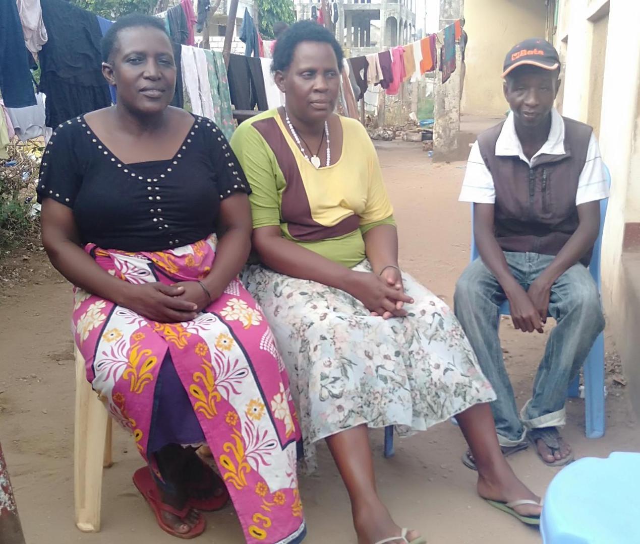 Die Hausmütter Janetrix und Christine und Mazoa