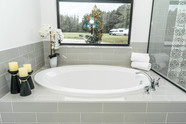 Main Bathroom - Main Tub