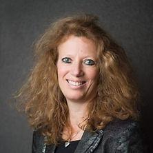 Esther Dysli Delegierte des Verwaltunsrates Marketingexpertin und Expetin für Strategien, Verkafsförderung und Partnermarketing von Hotels und Tourismusbetrieben