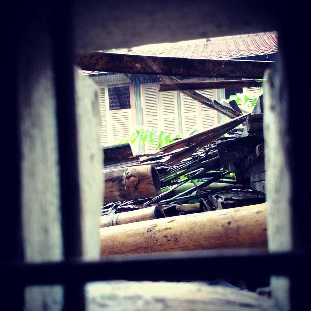 Tumpukan material bekas yang akan diolah. (Image : K+AD Firma Arsitektur)