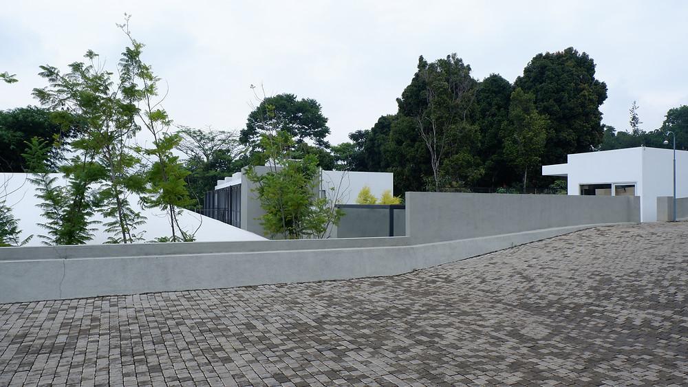 Atap dengan Kemiringan Landai. (Picture : K+AD Firma Arsitektur)