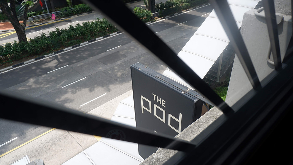 Signage Minimalis Milik The Pod (Pict : K+AD Firma Arsitektur)