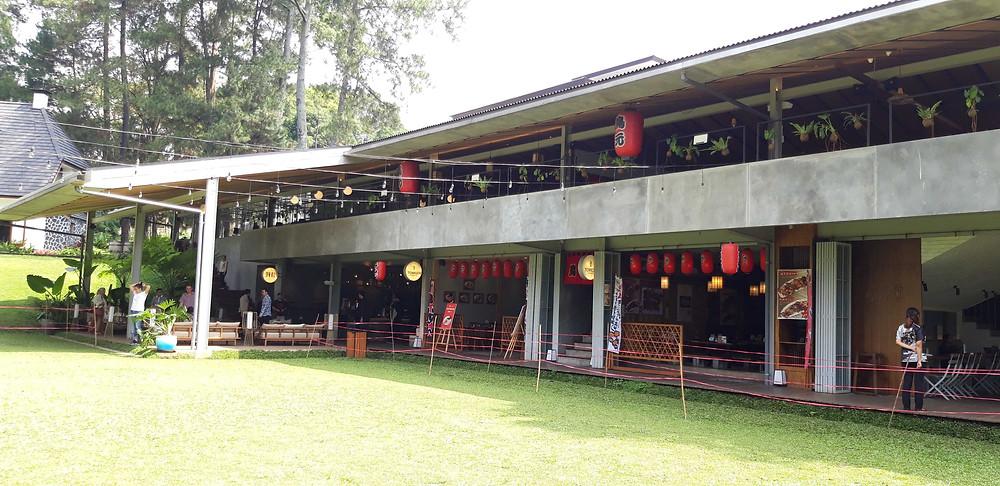 Bangunan Bergaya Industrial di Nara Park Bandung