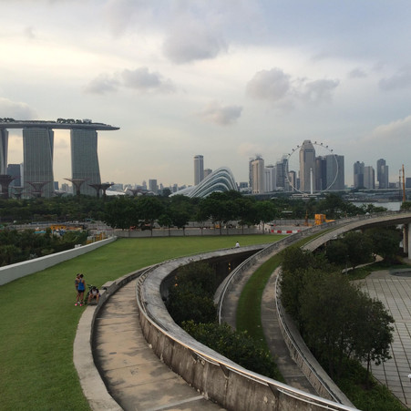 Mengintip Arsitektur Marrina Barrage Singapura di Sore Hari