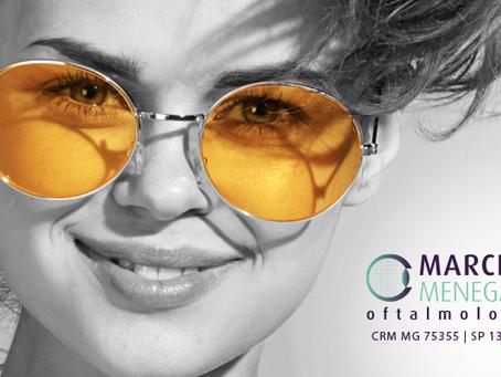 Por que óculos amarelos não ajudam na visão noturna?