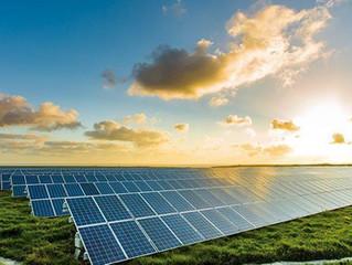 """Energia solar """"bomba"""" no Brasil atrai grandes empresas chinesas e startups"""