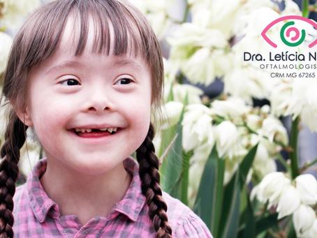 Síndrome de Down: como cuidar dos olhos deles?