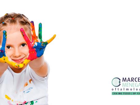 Crianças que não distinguem cores? Pode ser uma doença da retina