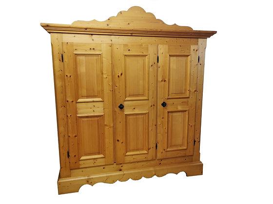 Bauernschrank, 3 Türen, Gold Antik