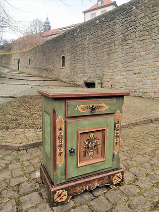 Anno 1800, altgrün, Kommode, 1 Tür