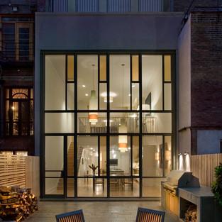 MANHATTAN TOWNHOUSE