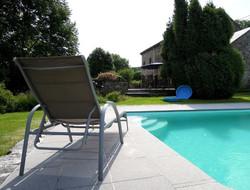 9zwembad met zicht op terras