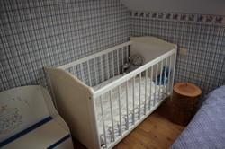 ledikantje blauwe slaapkamer