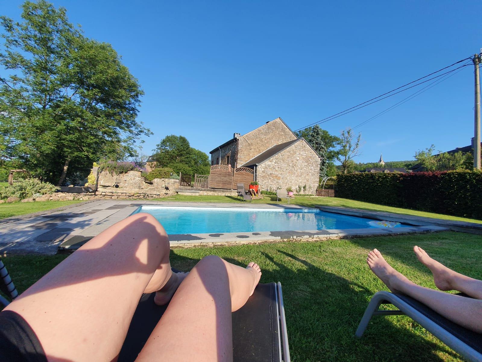 heerlijk prive genieten in het prive zwembad