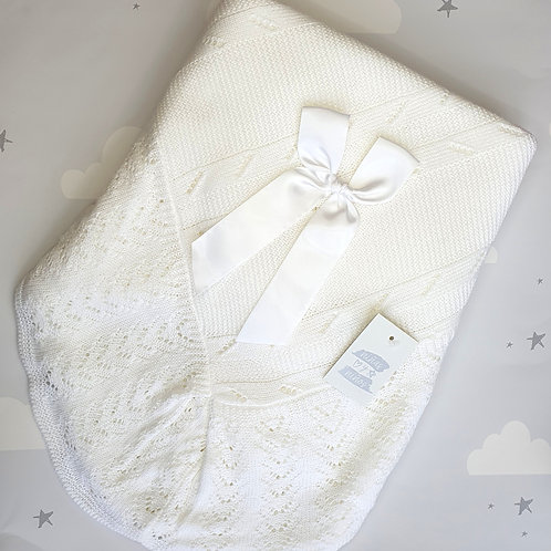 Ninas Y Ninos Luxury White Shawl