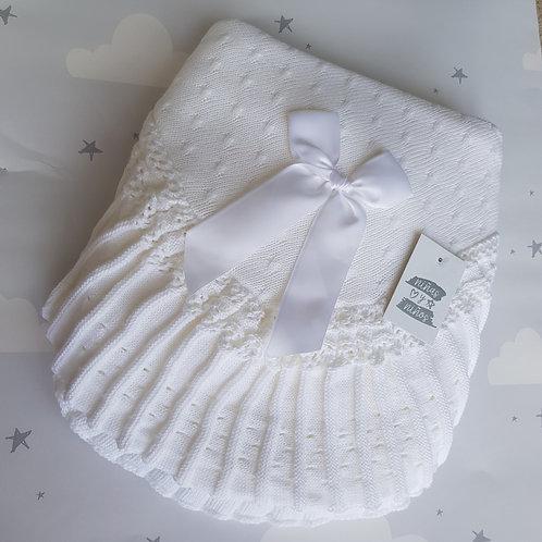 Ninas Y Nanos Luxury White Pleated Shawl