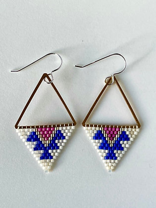 Delica triangles by Crow Feather Beadwork