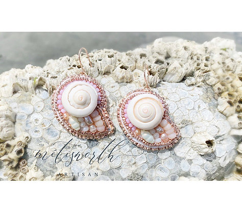 Rose gold shell earrings - Shumshum Collection by Métis North