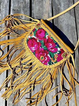 Essū gwélé' (Granny Auntie) purse by Golden Eye Designs