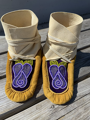 Gwich'in Rose wraparounds by Sharon Vittrekwa - child