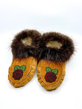 Beaded floral & beaver moccasins by Ronald Williams
