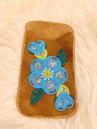 Beaded cell phone / iPod sleeve by Sharon Vittrekwa