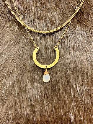 Horseshoe & gem necklace by Carlie Beads