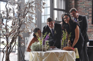 4 Hints that reveal if your Officiant still has that loving feeling!