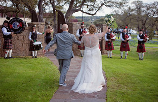 Lovely Spring wedding at Ma Maison in Dripping Springs