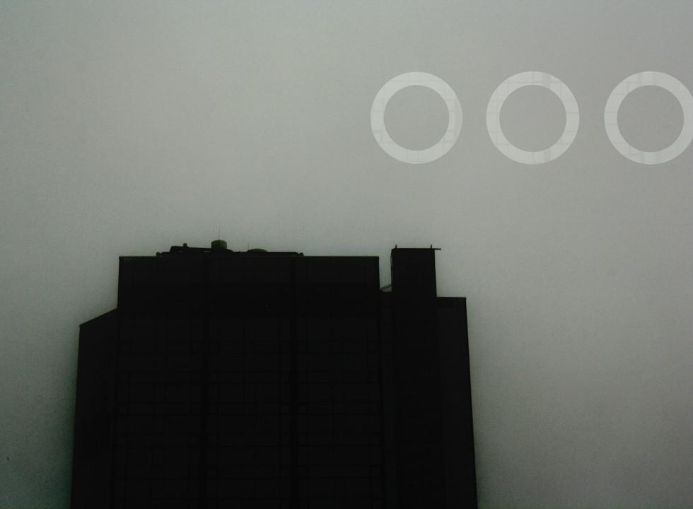 Tre ringar i skyn