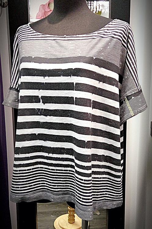 Black white horizontal loop blouse