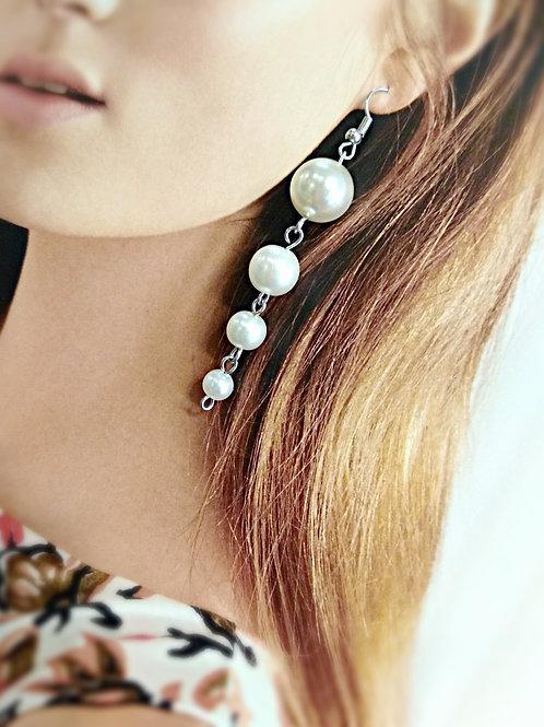 Splendid gray faux pearl earrings