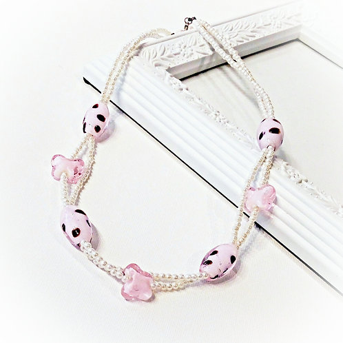 Pink olive butterfly glass faux pearl necklace