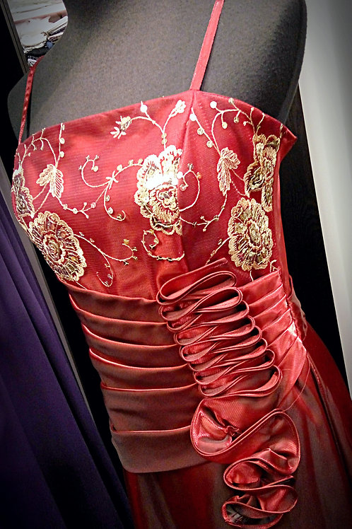 Chinese metallic red gold thread party dress