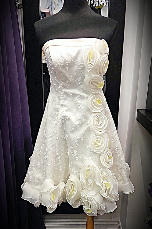 3D flower raised white lace strapless party dress