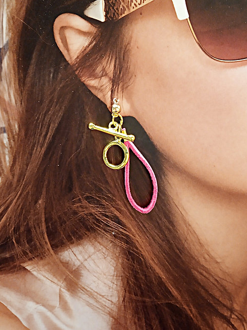 Fuchsia suede loop plated gold clasp earrings
