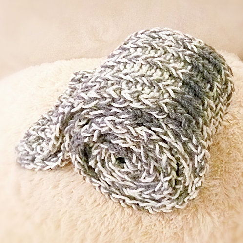 Infinity 3 tones warmth knitted scarf