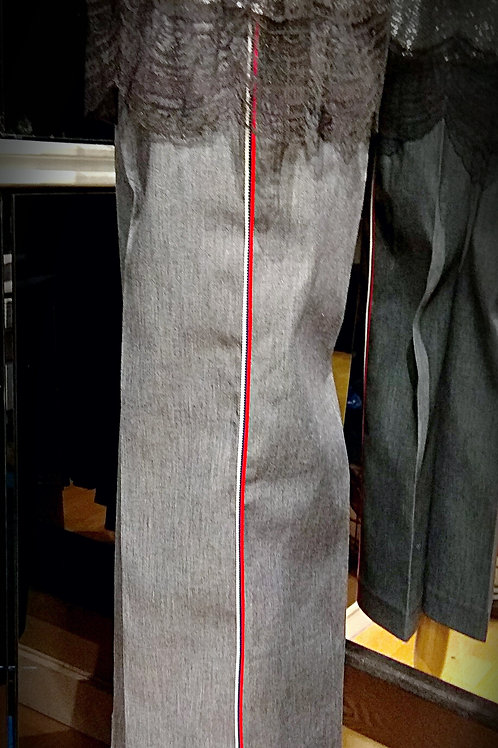 Trendy grey loose jean