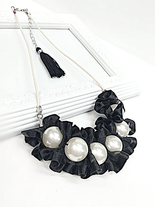 Stunning black white faux pearl necklace